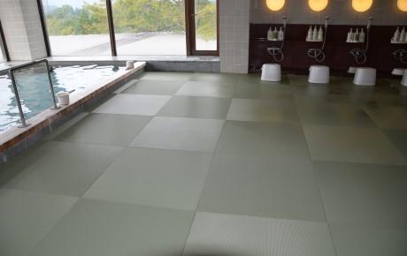 お風呂場、洗い場床に(ゆったり畳)をひきました。滑ることが改善されました。